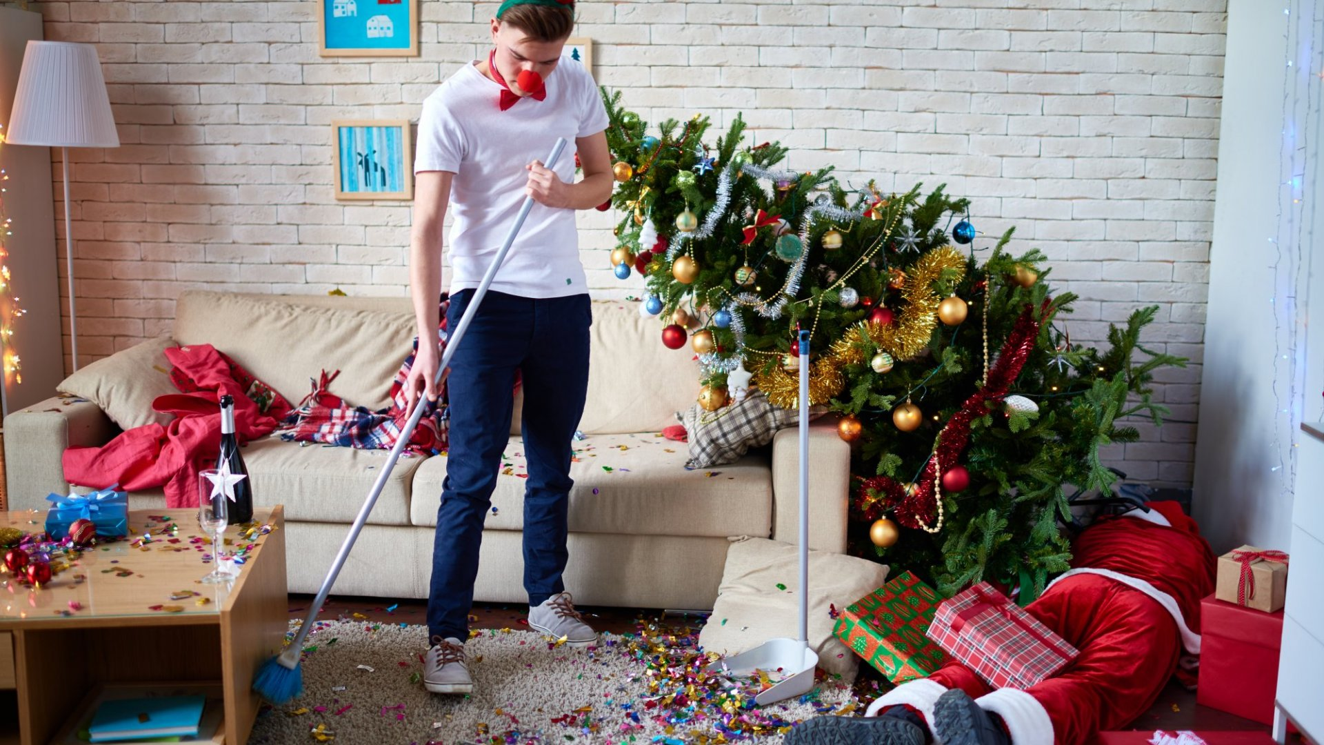 Here's How to Make Holiday Cleaning Stress Free - and Lasting