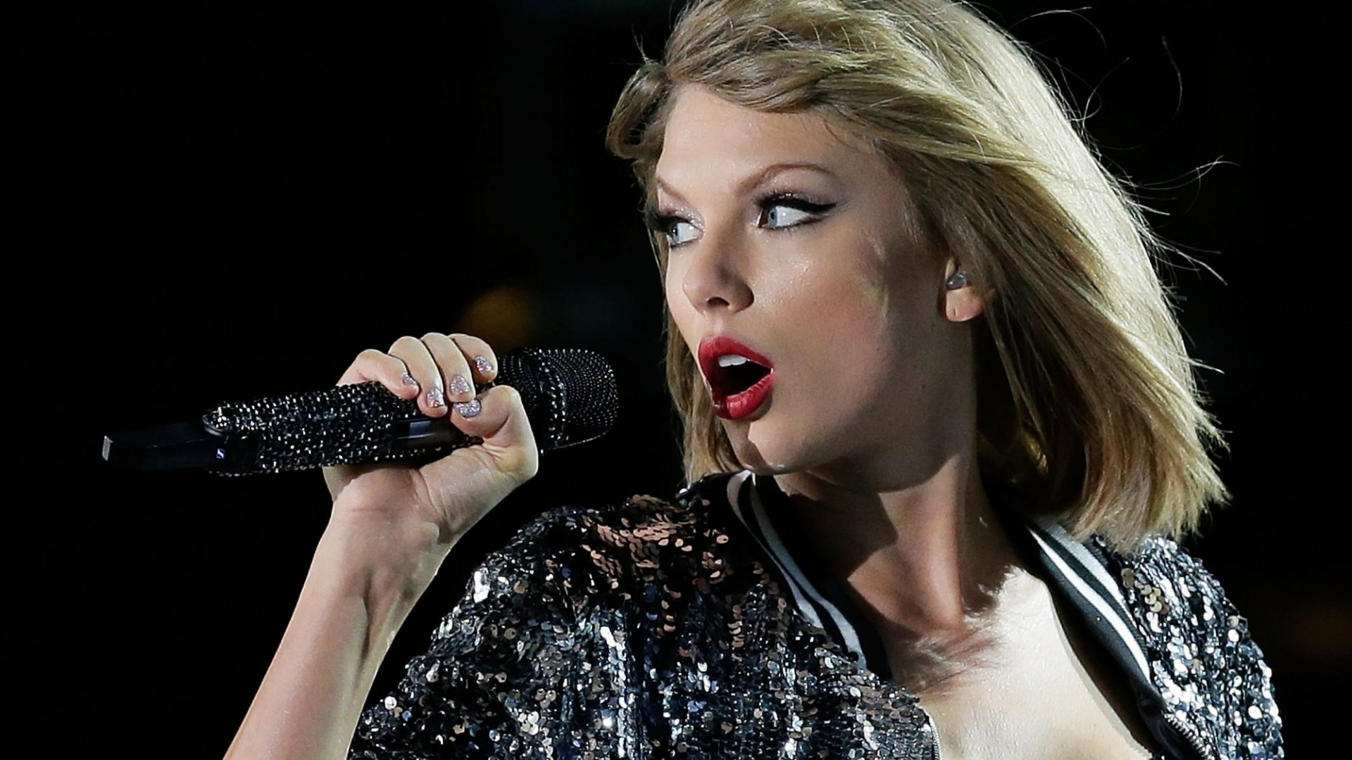 Taylor Swift to Sweep Grammys, According to Instagram