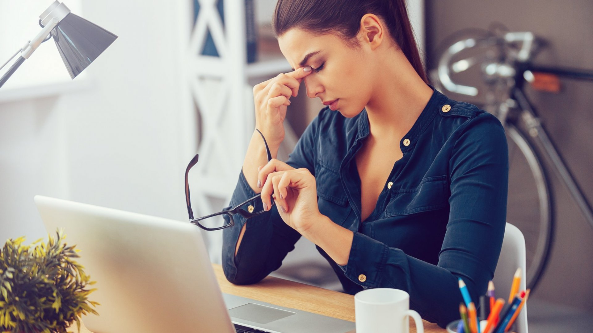Being in 'Work Mode' All Day Long Is Hurting You. Here's How to Detach