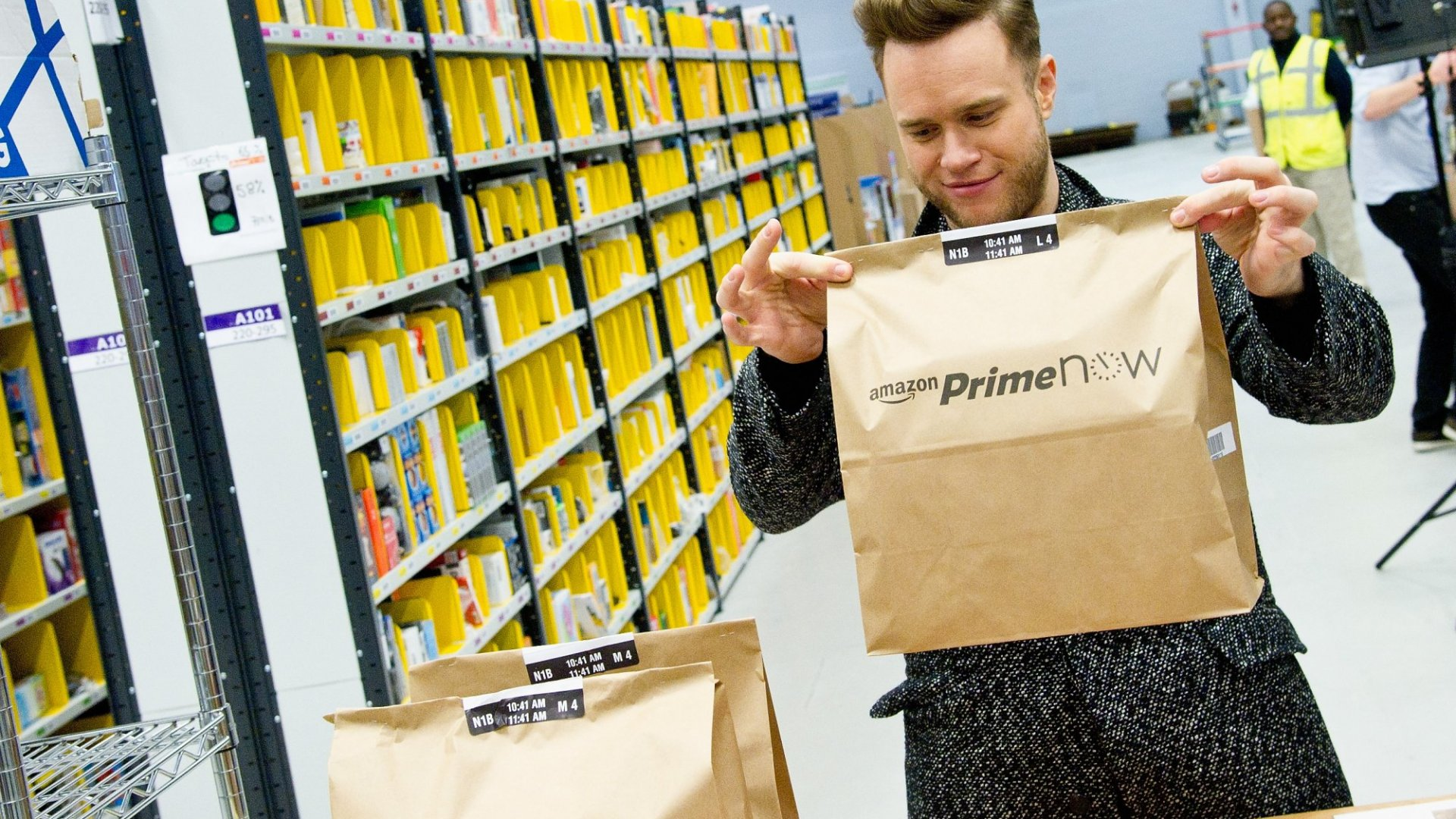 Jeff Bezos's Amazon Will Launch a Delivery Service to Compete With UPS and FedEx