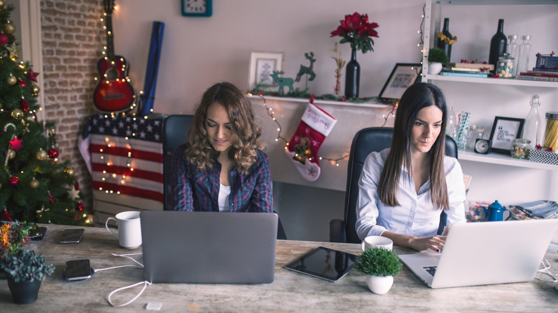 4 Real-Life Strategies to Balance Workers' and Customers' Needs During the Holiday Season