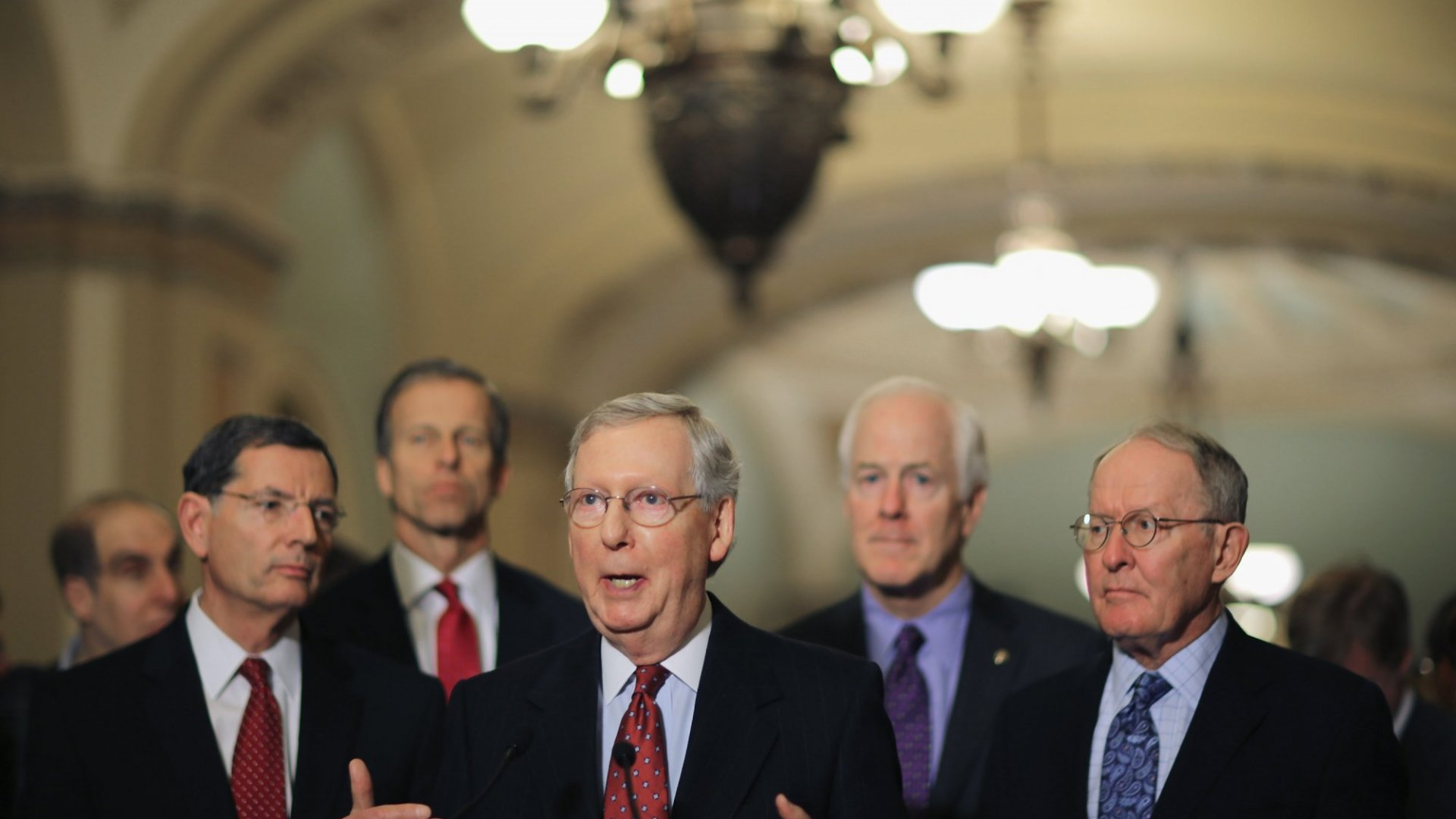 Senate majority leader Mitch McConnell (R.-Ky.) (center, foreground).