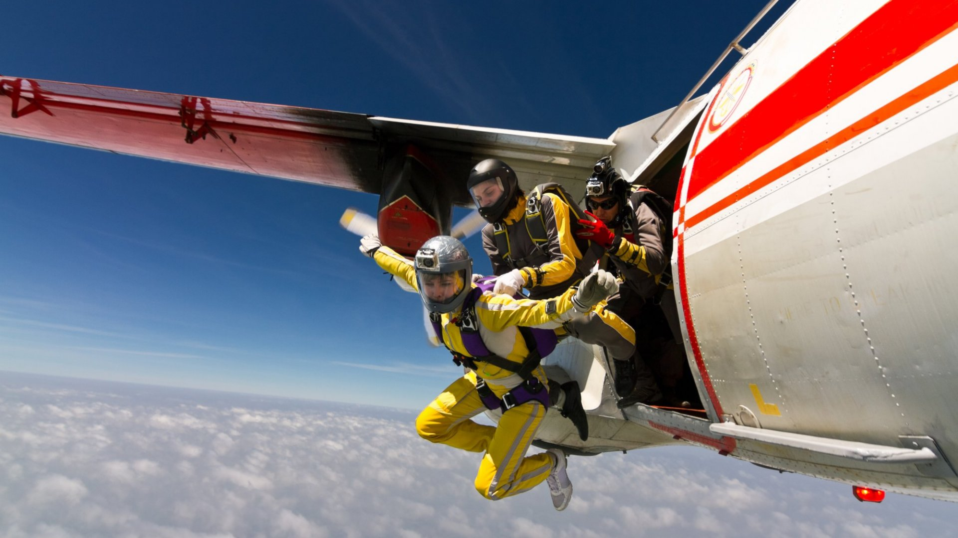 4 Leadership Lessons This Successful Executive Learned from Falling Out of an Airplane