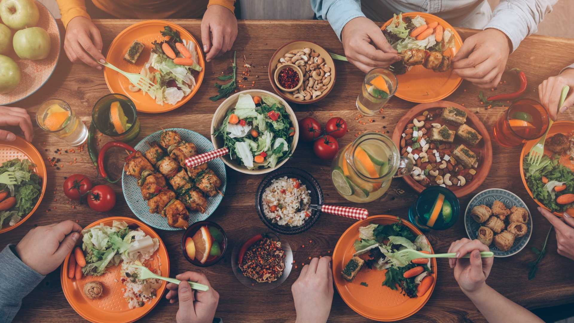 Give Your Office the Perk of Free Lunch With These 4 Services