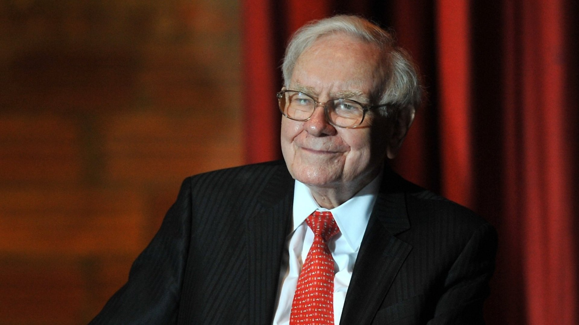 Warren Buffett's Brilliant 25/5 Rule Was Fake. Here's What He Really Said About Achieving Success