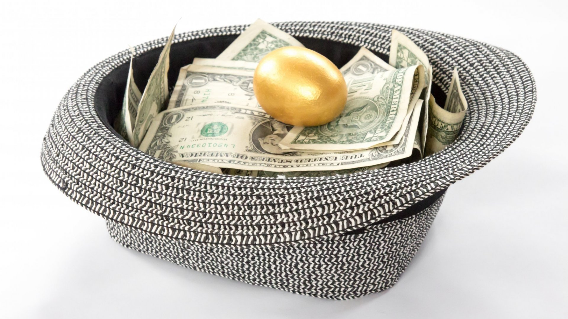Understand your best options when raising capital through crowdfunding for your golden idea.