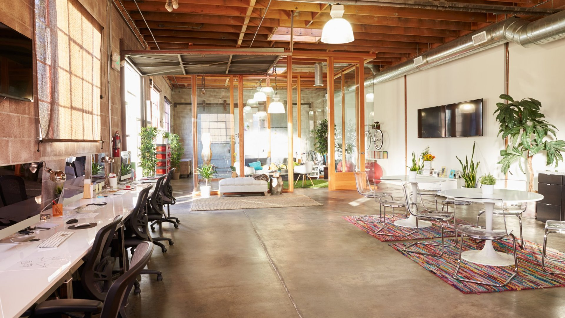 Wake Up Your Work Space With These Unconventional Office Design Tips