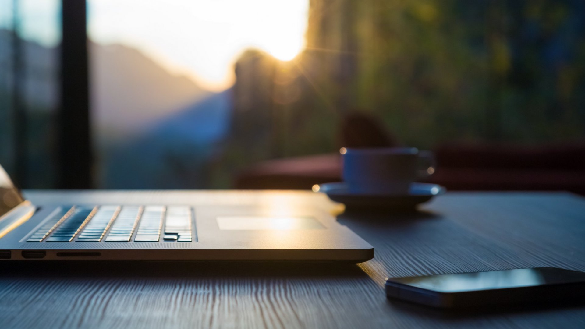 5 Daily Rituals That Will Kick Off a Great Day at Work