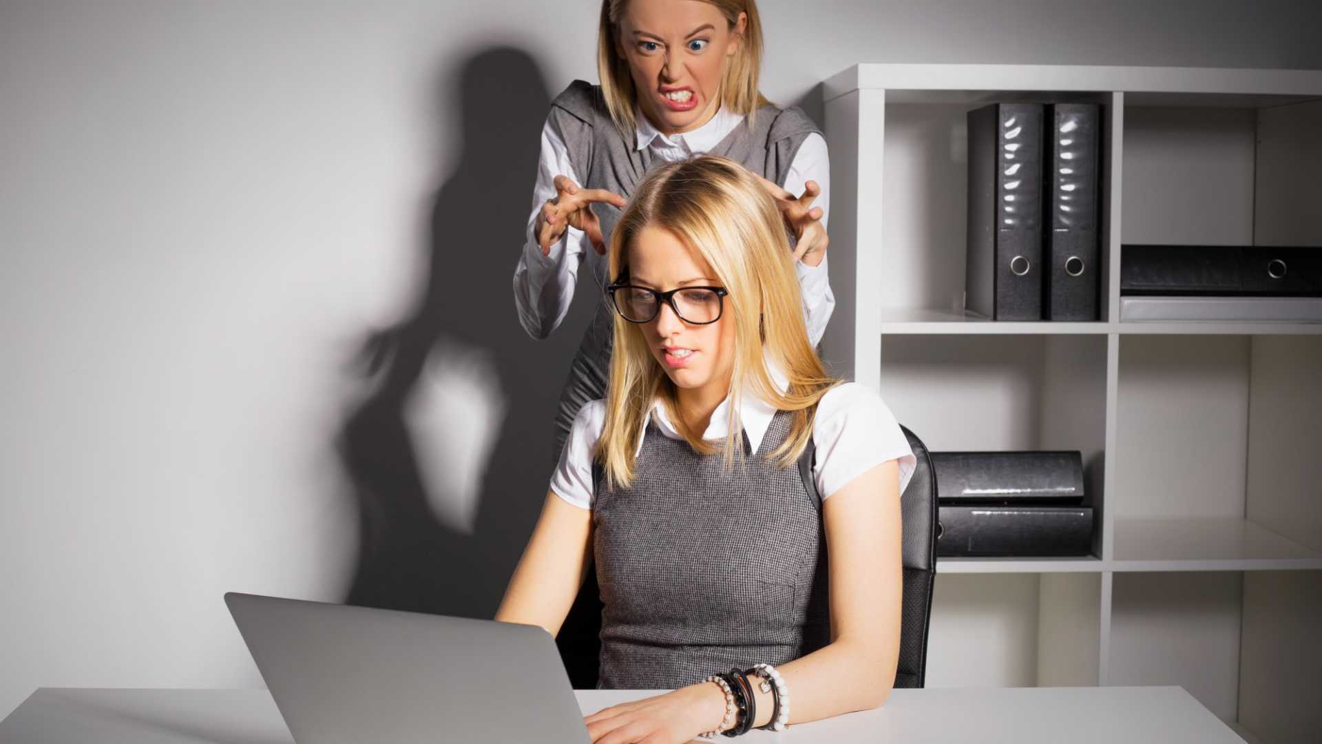 How to Quit a Job When Your Boss is a Sociopathic Control Freak