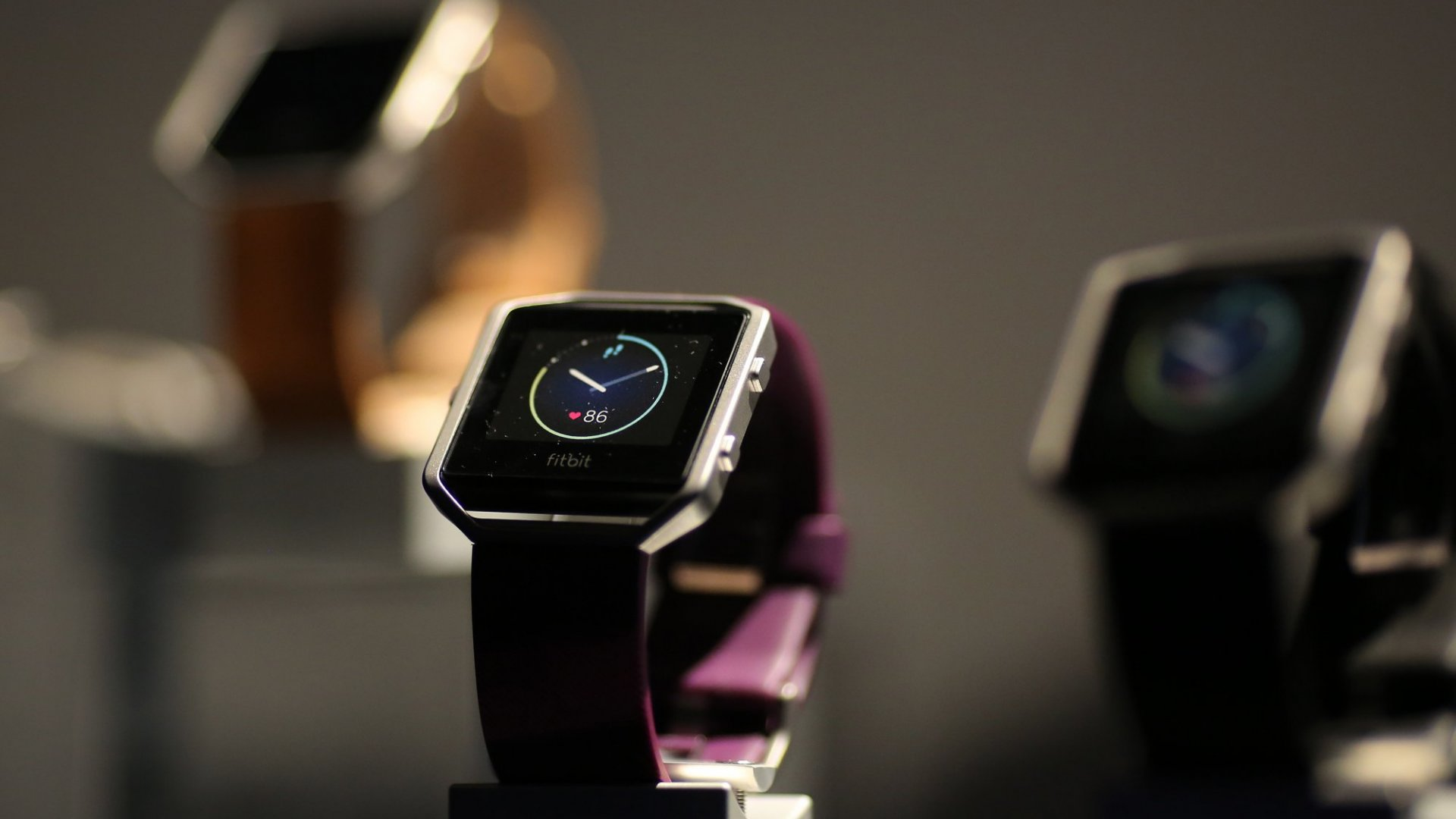 Fitbit Reports a Bang-Up First Quarter, and Wall Street Shrugs