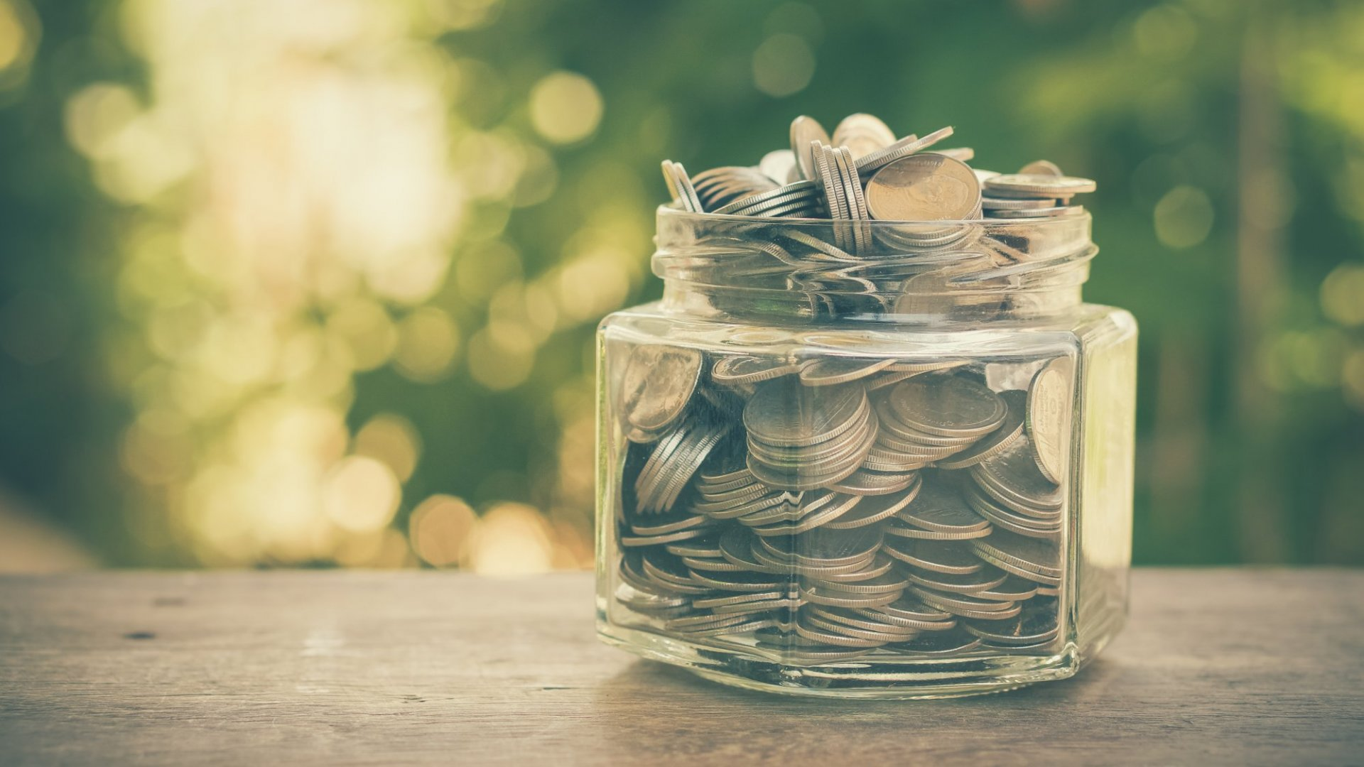 3 Simple Ways to Make Generosity a Win-Win For Your Company and Your Customers