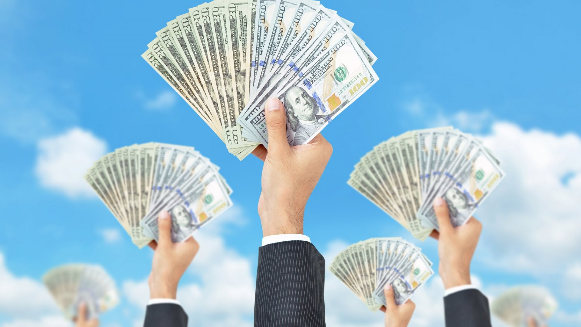 How to Leverage Crowdfunding to Invest Like a Millionaire