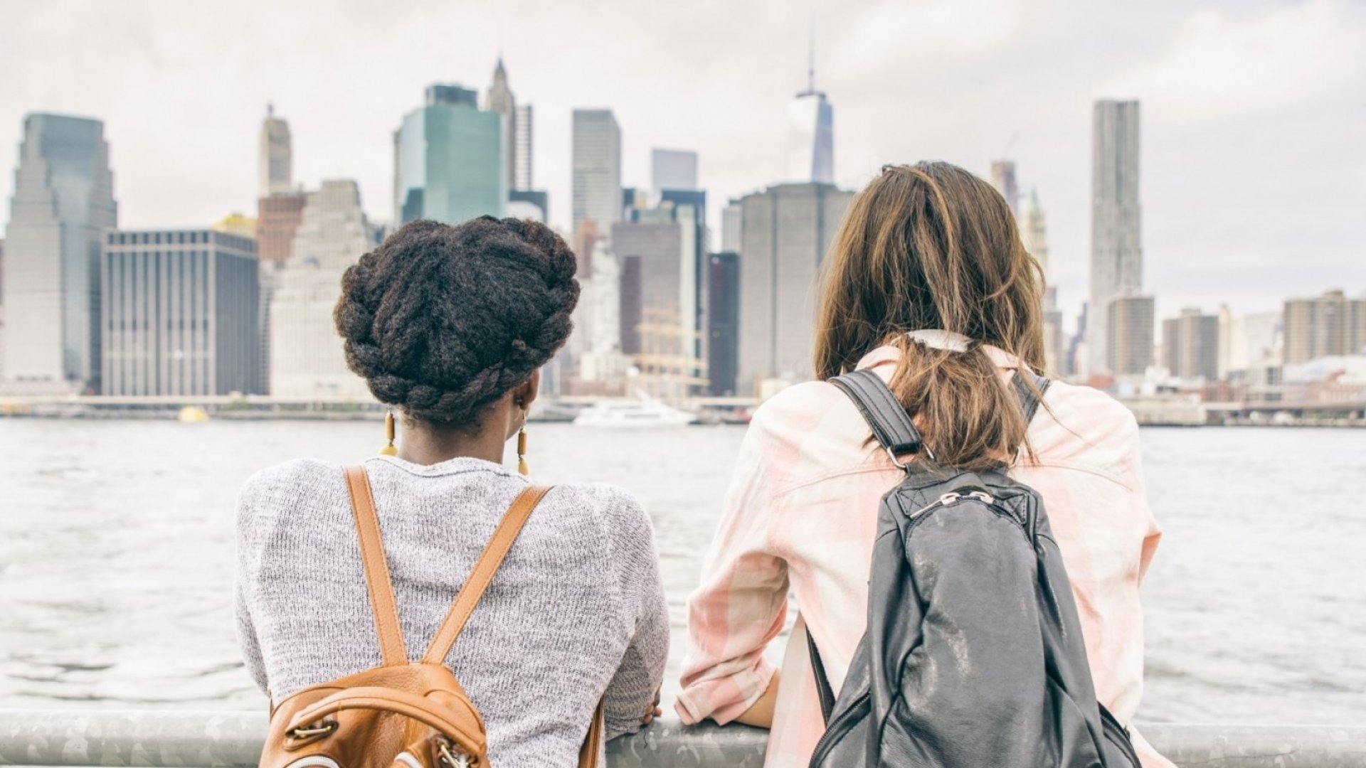 Why Extraordinary People Avoid Mediocre Friends