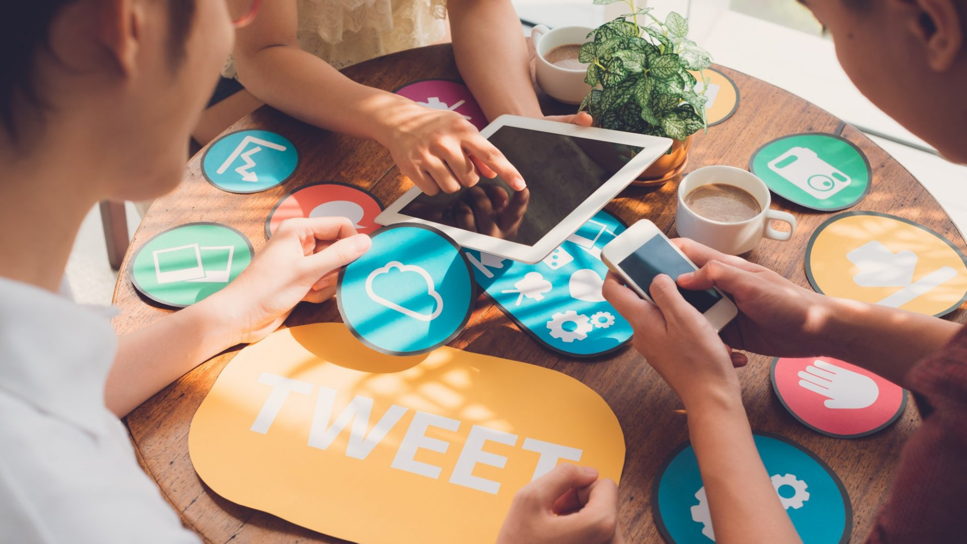 How to Make Your Social Media Marketing Work Together