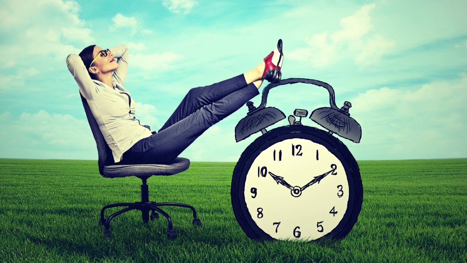 4 Crucial Things You Should Do to Waste Less Time and Be More Productive