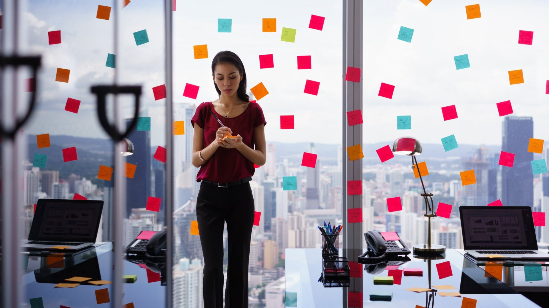 4 Ways to Stay Present During the Crazy Busy Times at Work