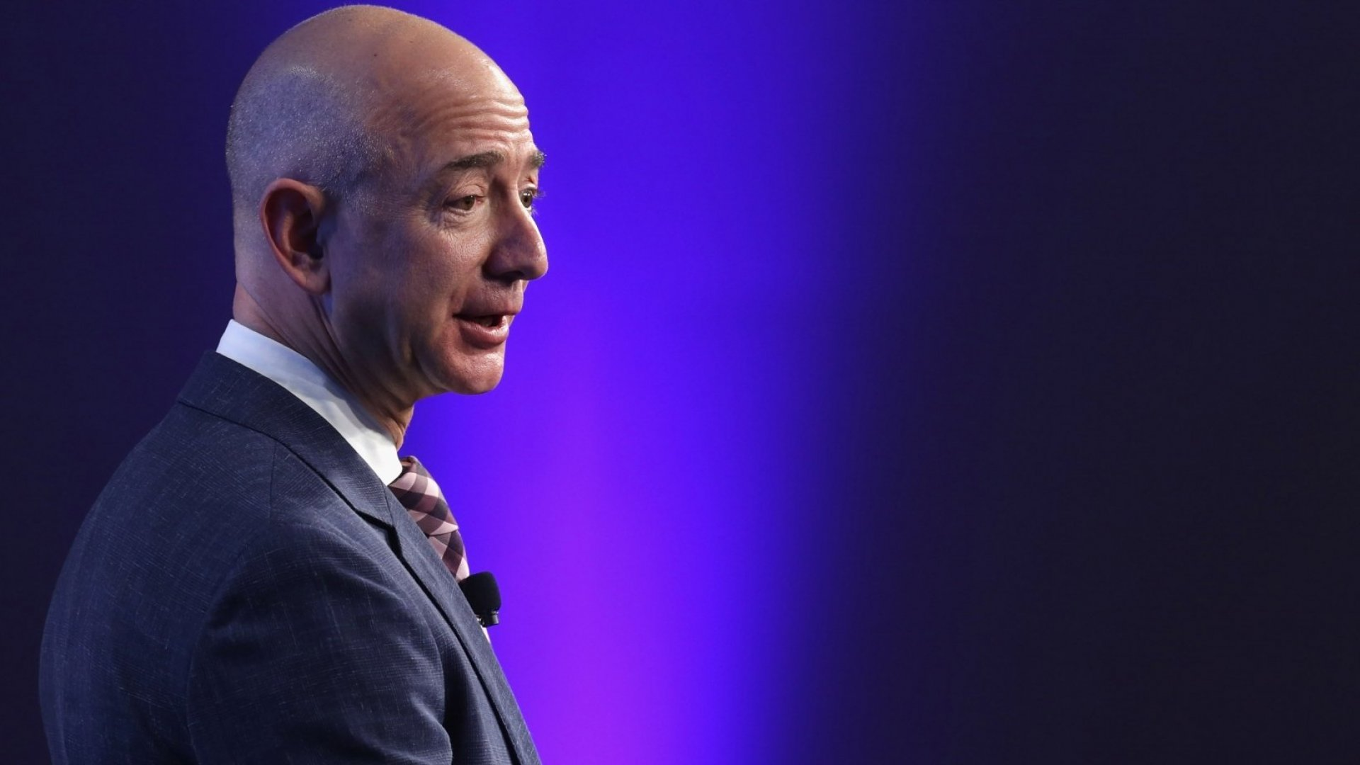 Jeff Bezos Just Released His Annual Shareholder Letter and Said 1 Counterintuitive Thing Is the Key to Continued Business Growth