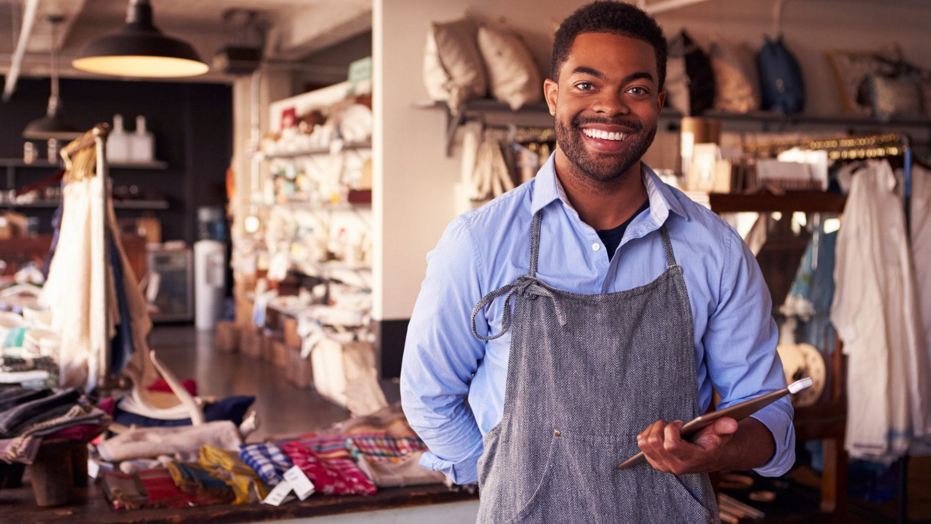 How to Show Your Customers That Small Business Saturday Isn't the Only Time to Shop Local