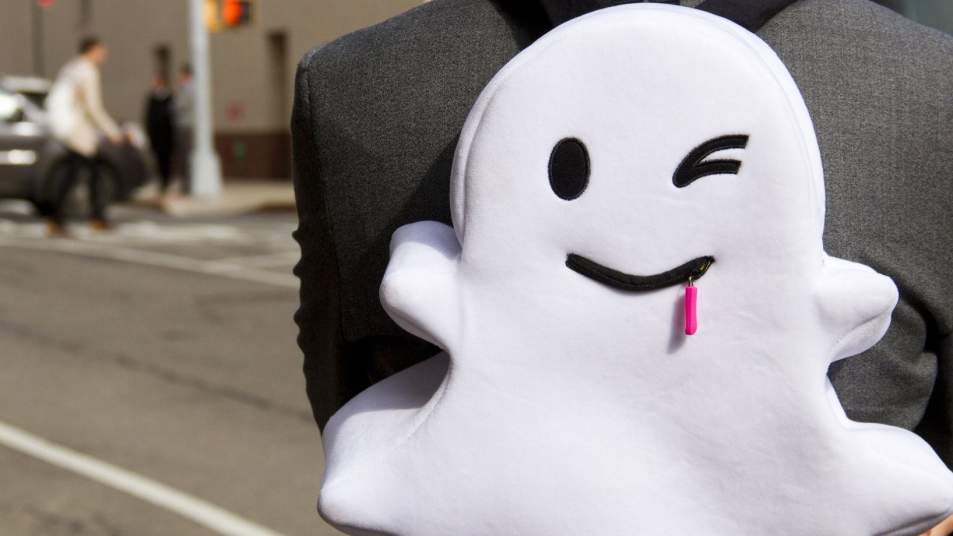 Snapchat Now Has 10 Million More Daily Users Than Twitter