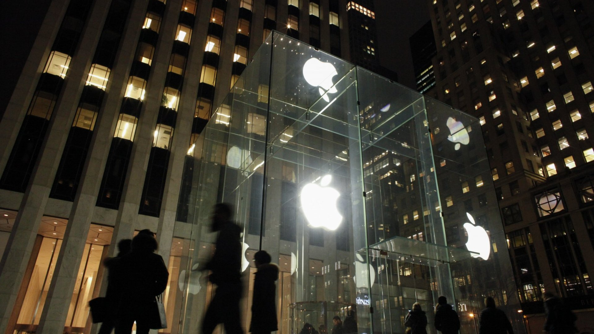 Apple and Google May Soon Be Forced to Reveal Your Private Conversations