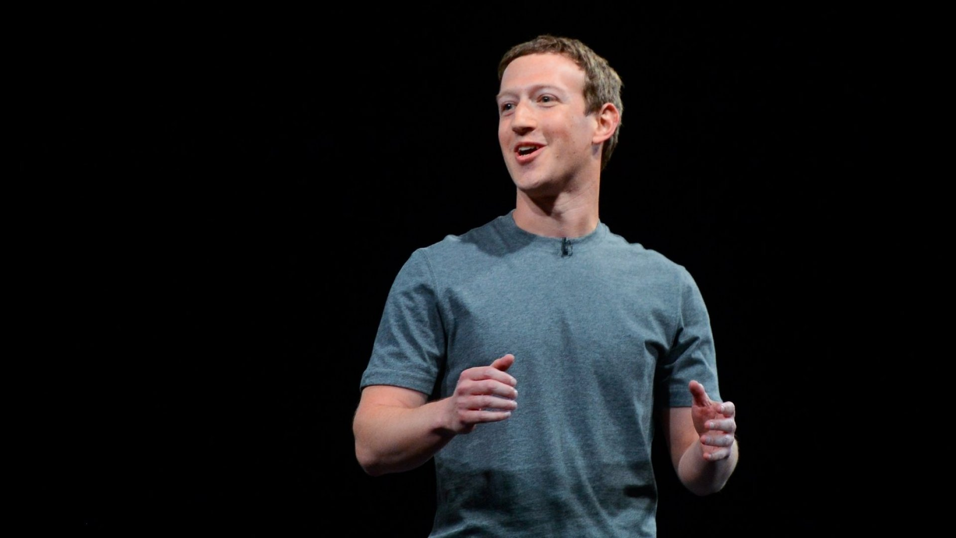 Watch Mark Zuckerberg Encourage Young Entrepreneurship in His First Visit to Nigeria