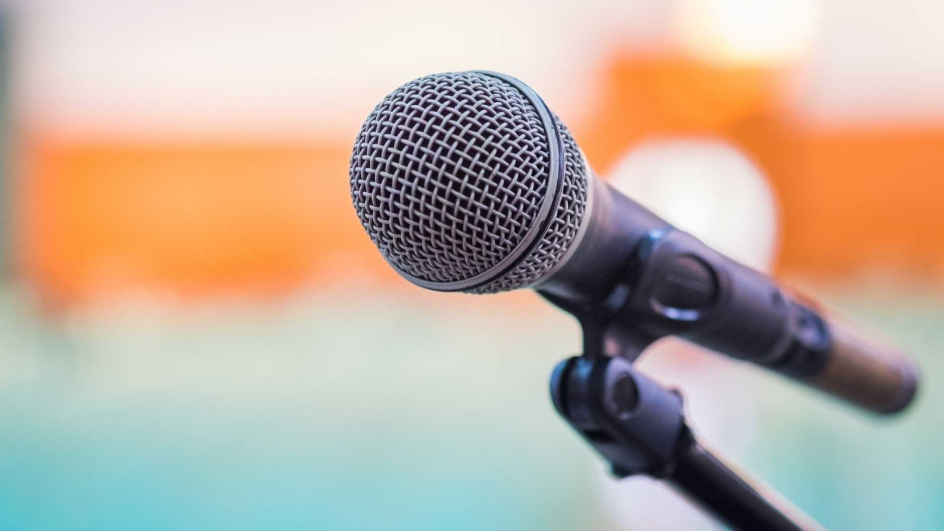 13 Must-Have Qualities of a Great Business Speaker