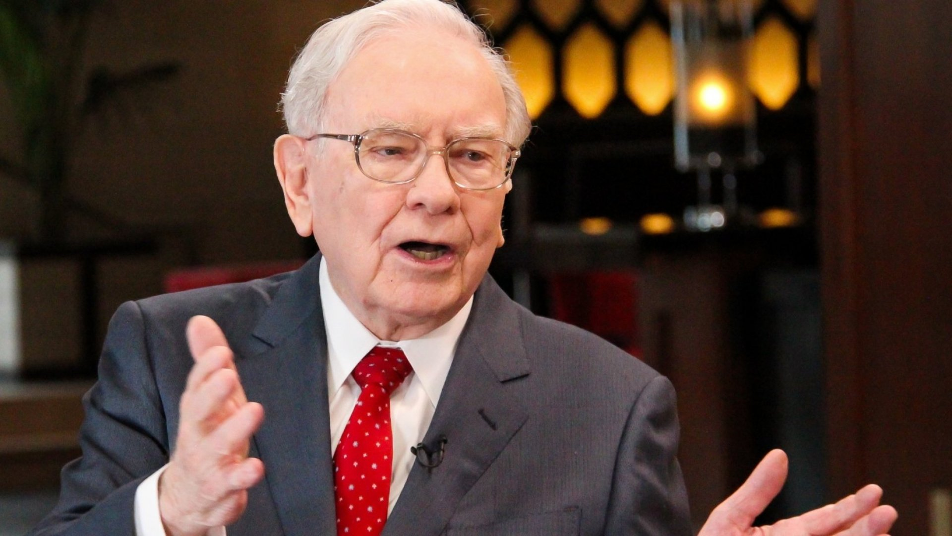Warren Buffett Just Revealed the 1 Late-Night Phone Call He Made That Avoided a 2008 Great Depression