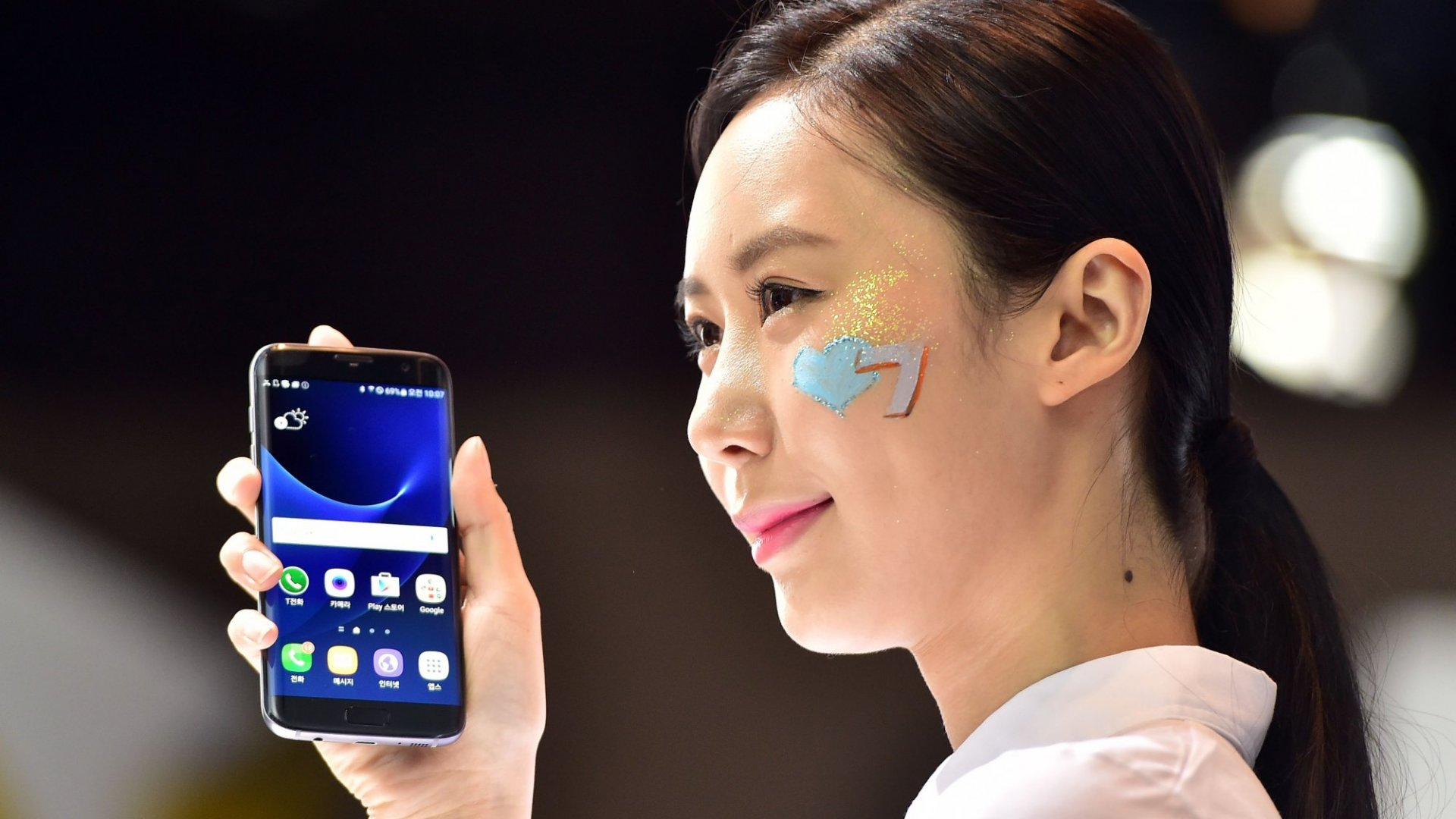 What Is Apple Getting Wrong and Samsung Getting Right?