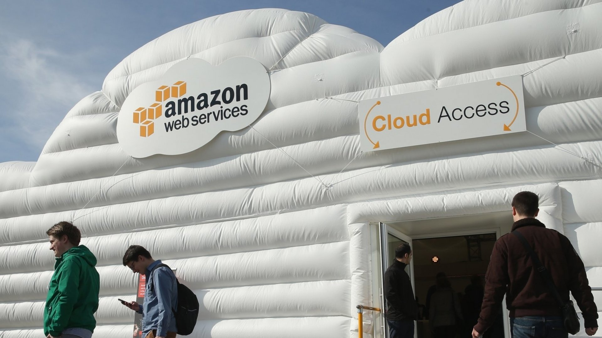 Amazon and Salesforce Strengthen Ties With New Deal