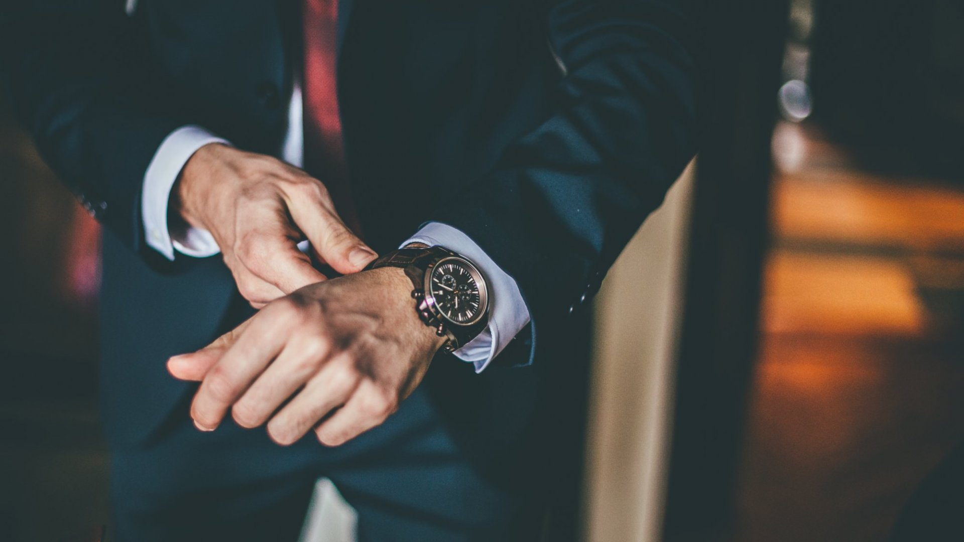 5 Lessons To Make Your Startup Profitable From A Thriving Watch Club Business