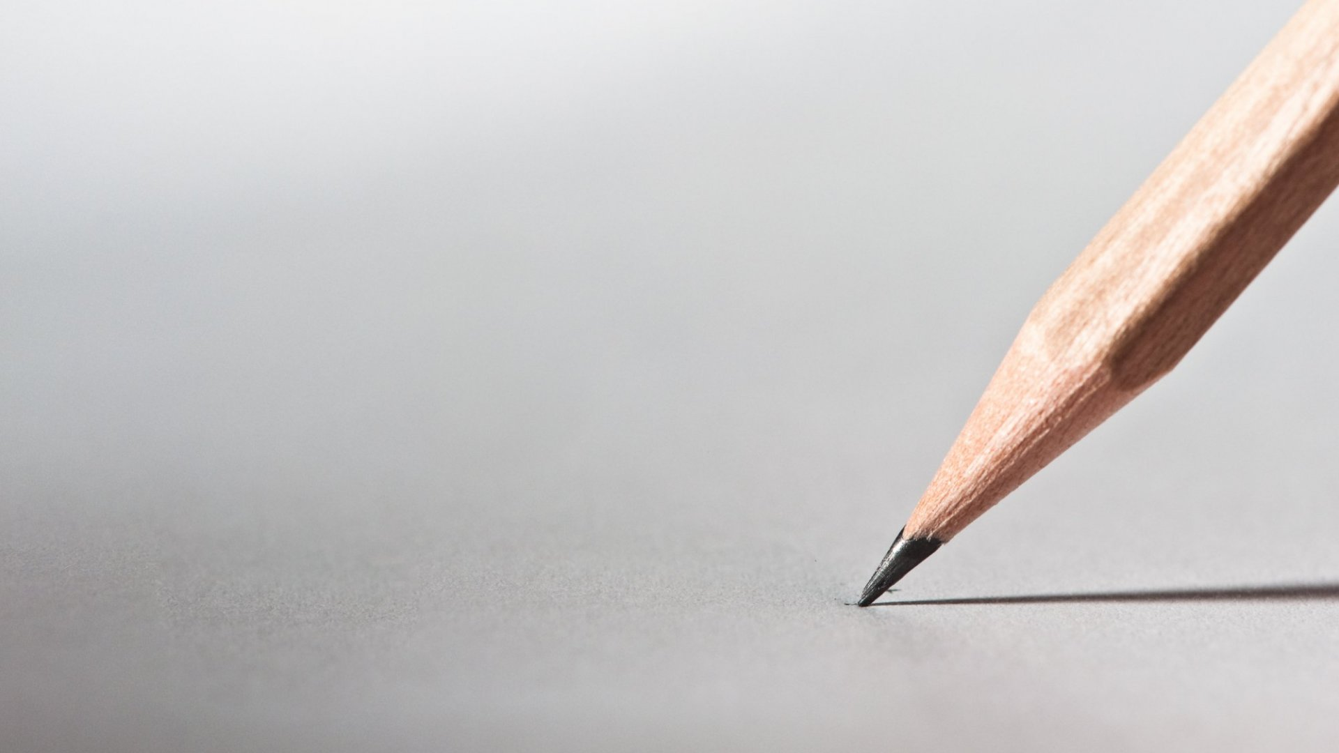 Want to Remember the Notes You Take? Here's Why You Need to Write Them By Hand