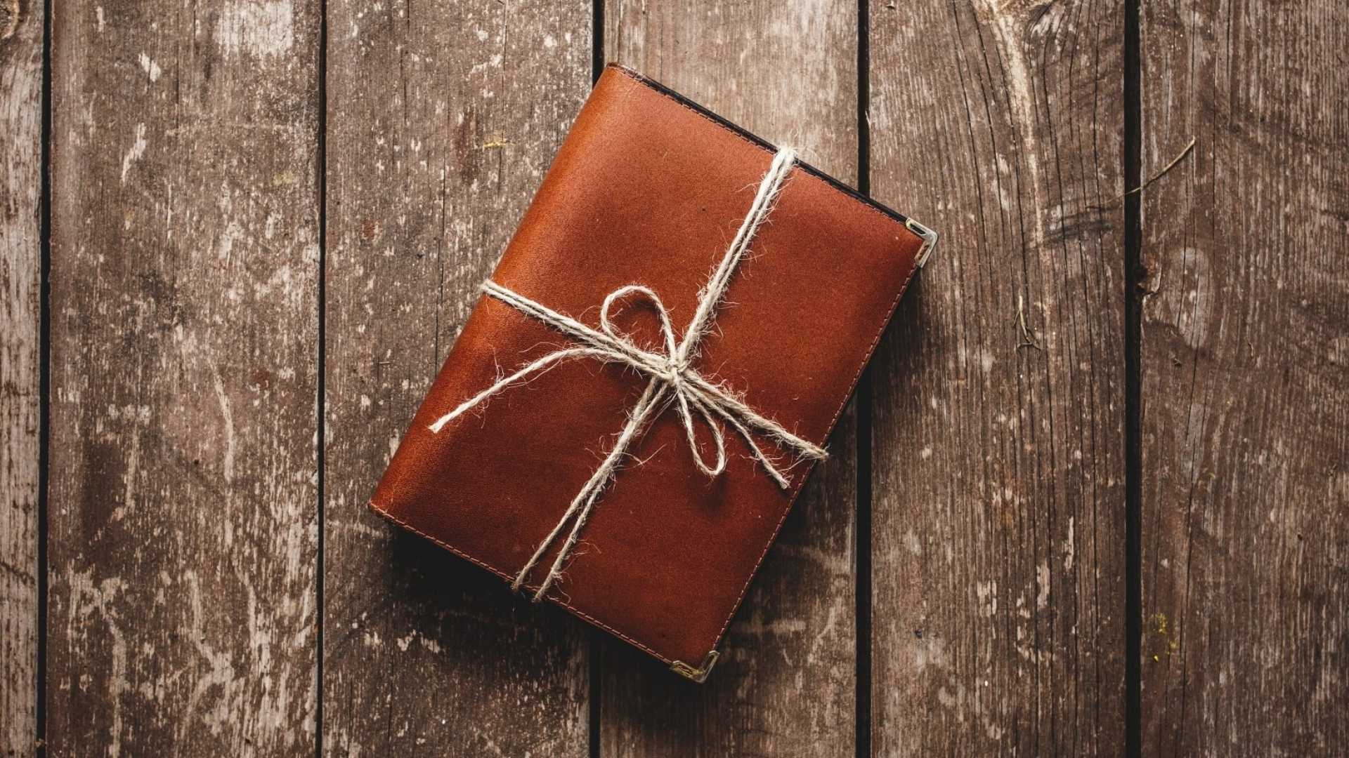 <b>17 of the Best Business Books to Give as Gifts This Holiday Season</b>