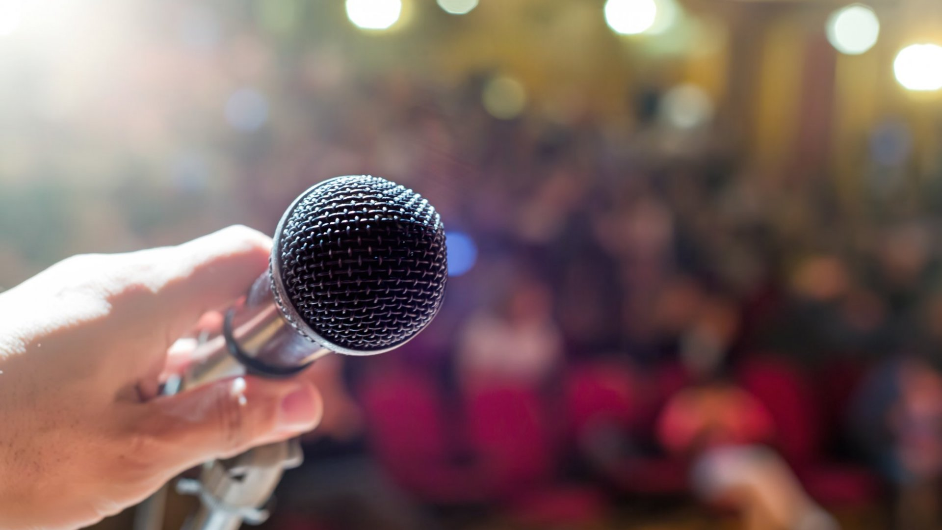 Nail Your Next Presentation With These 5 Public Speaking Apps