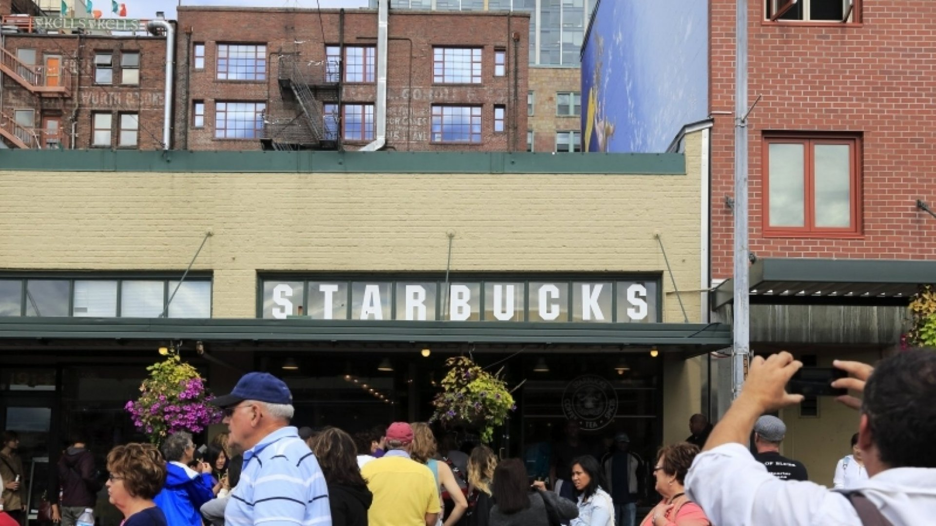 What Starbucks' Red Cup Controversy Teaches Us About Negative PR