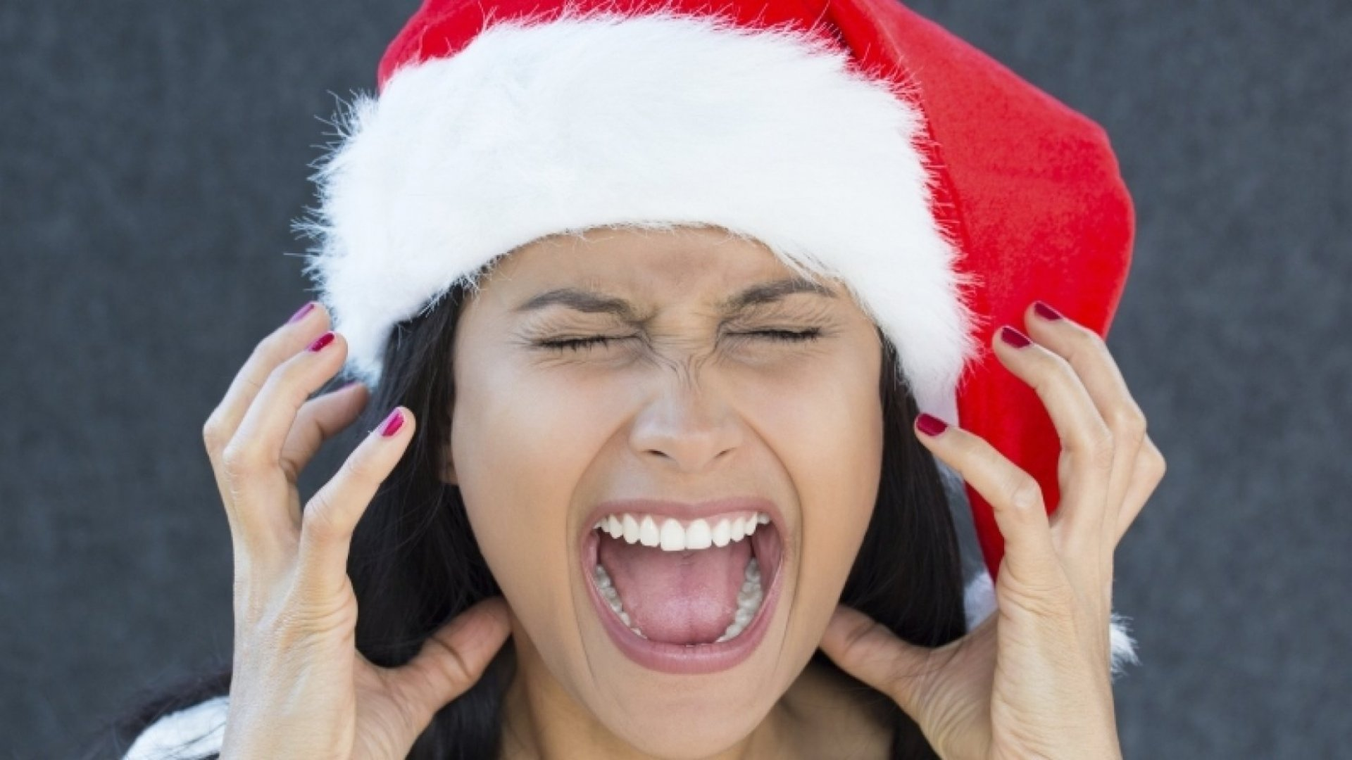 9 Ways to Relieve Workplace Holiday Stress