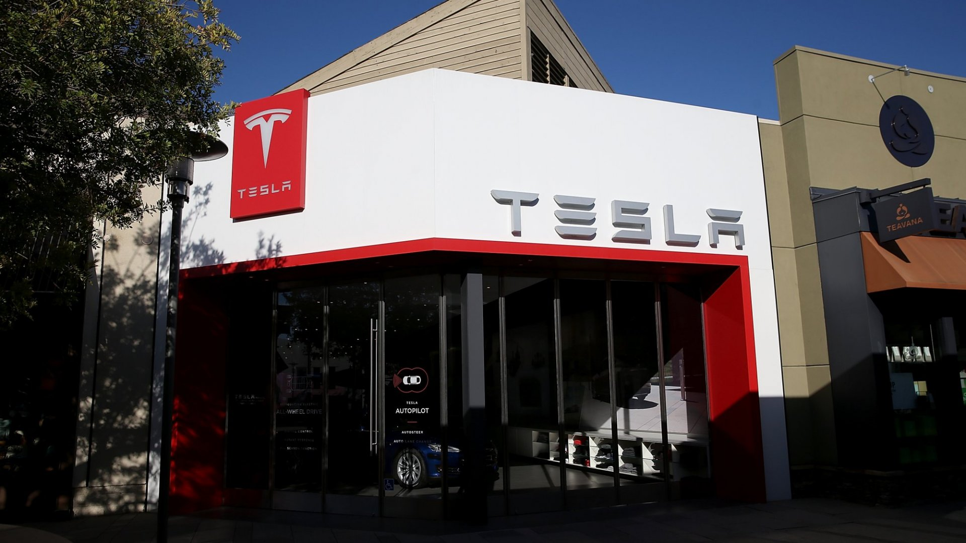 Why Tesla Will Destroy the Automobile Industry