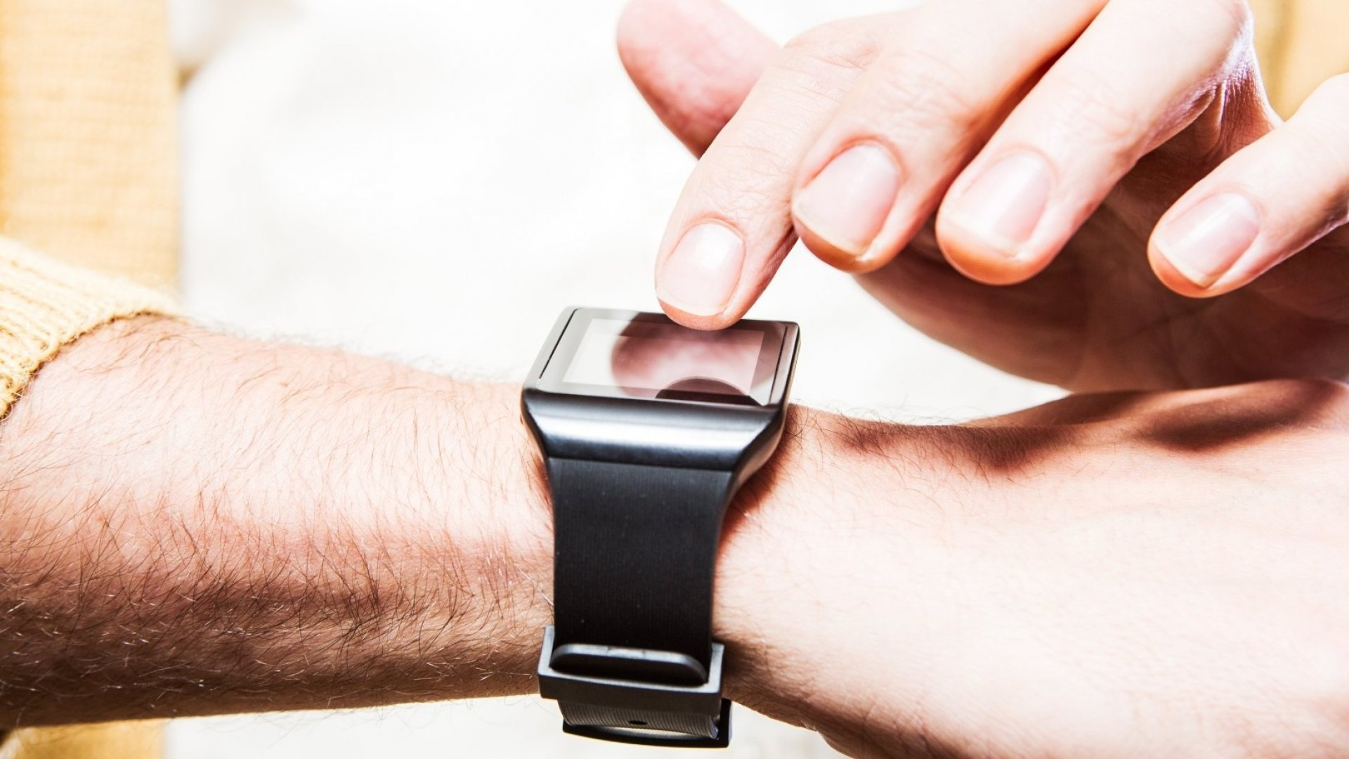 Researchers Develop a Smartwatch for the Socially Anxious