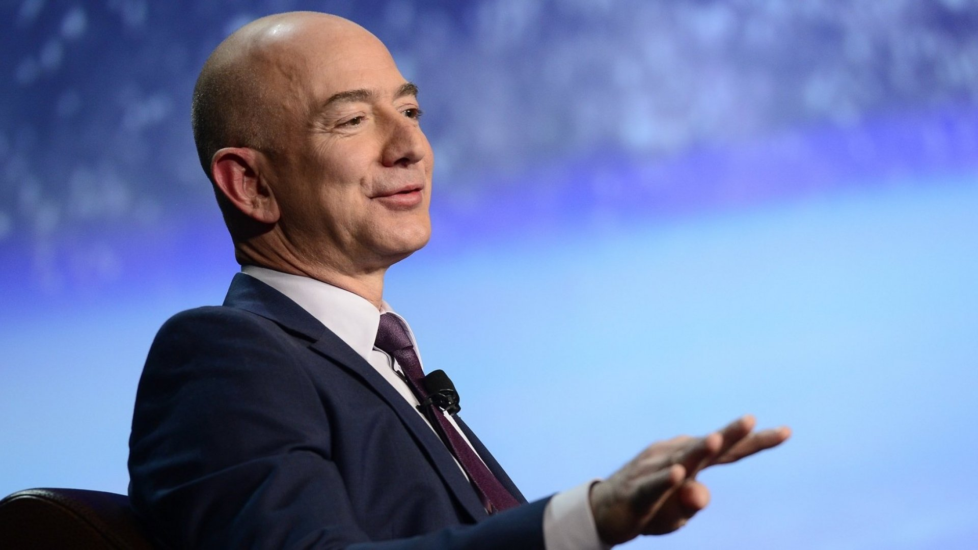 Why Every Leader Should Try Jeff Bezos's Infamous 'Question Mark Method'