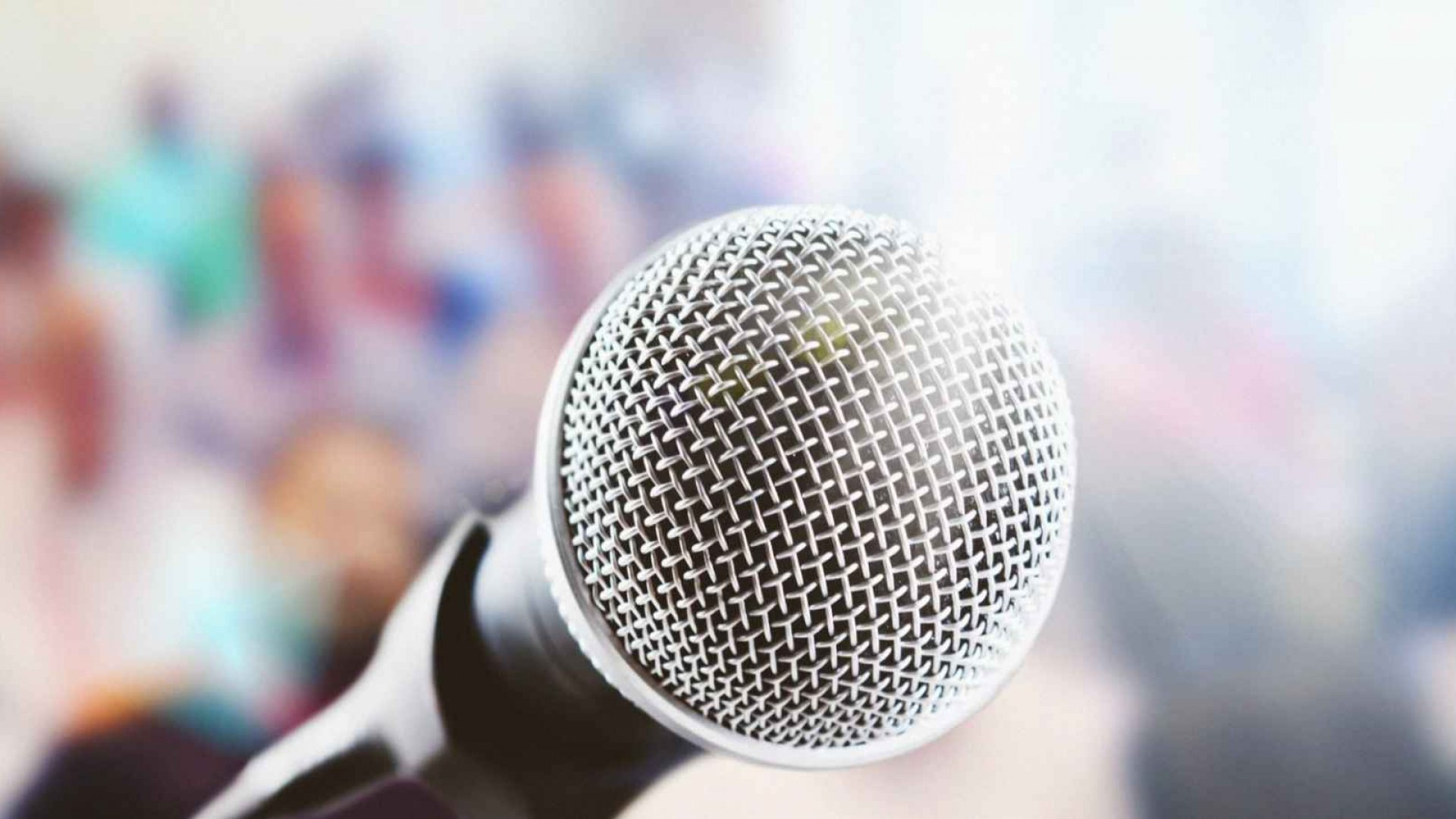 Want to Overcome Your Phobia of Public Speaking?  Try These 5 Things.