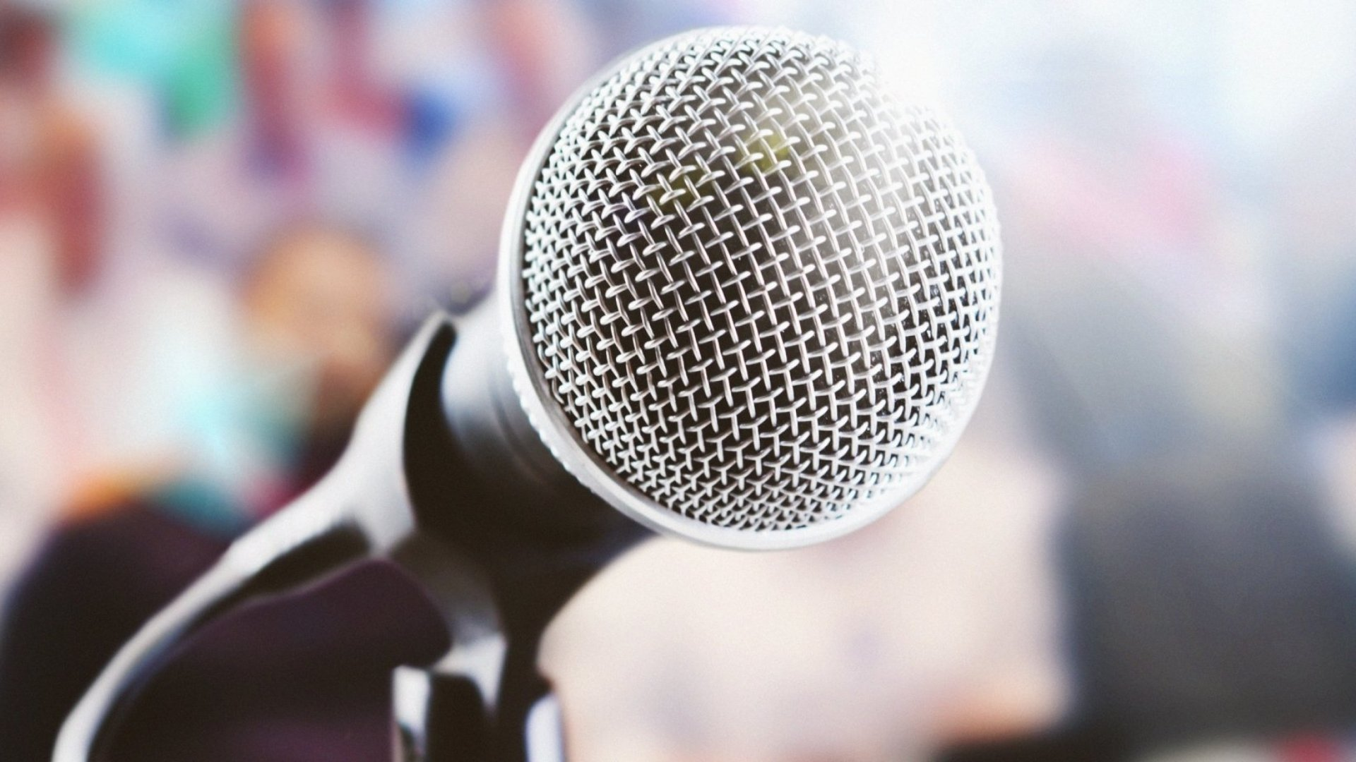 10 Tips to Make You a Better Public Speaker Now