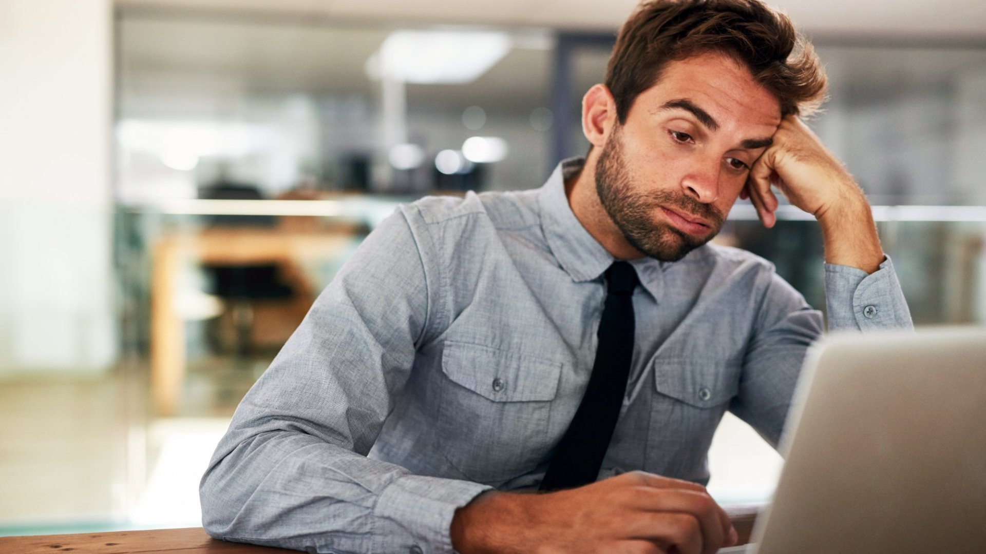 The 5 Things Mediocre Managers Forget (But Inspirational Leaders Never Do)