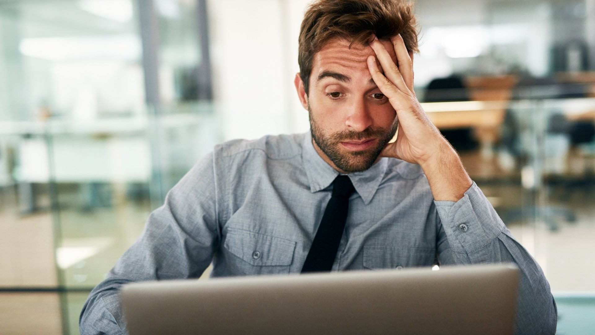 10 Ridiculous Sales Mistakes You Need to Stop Making