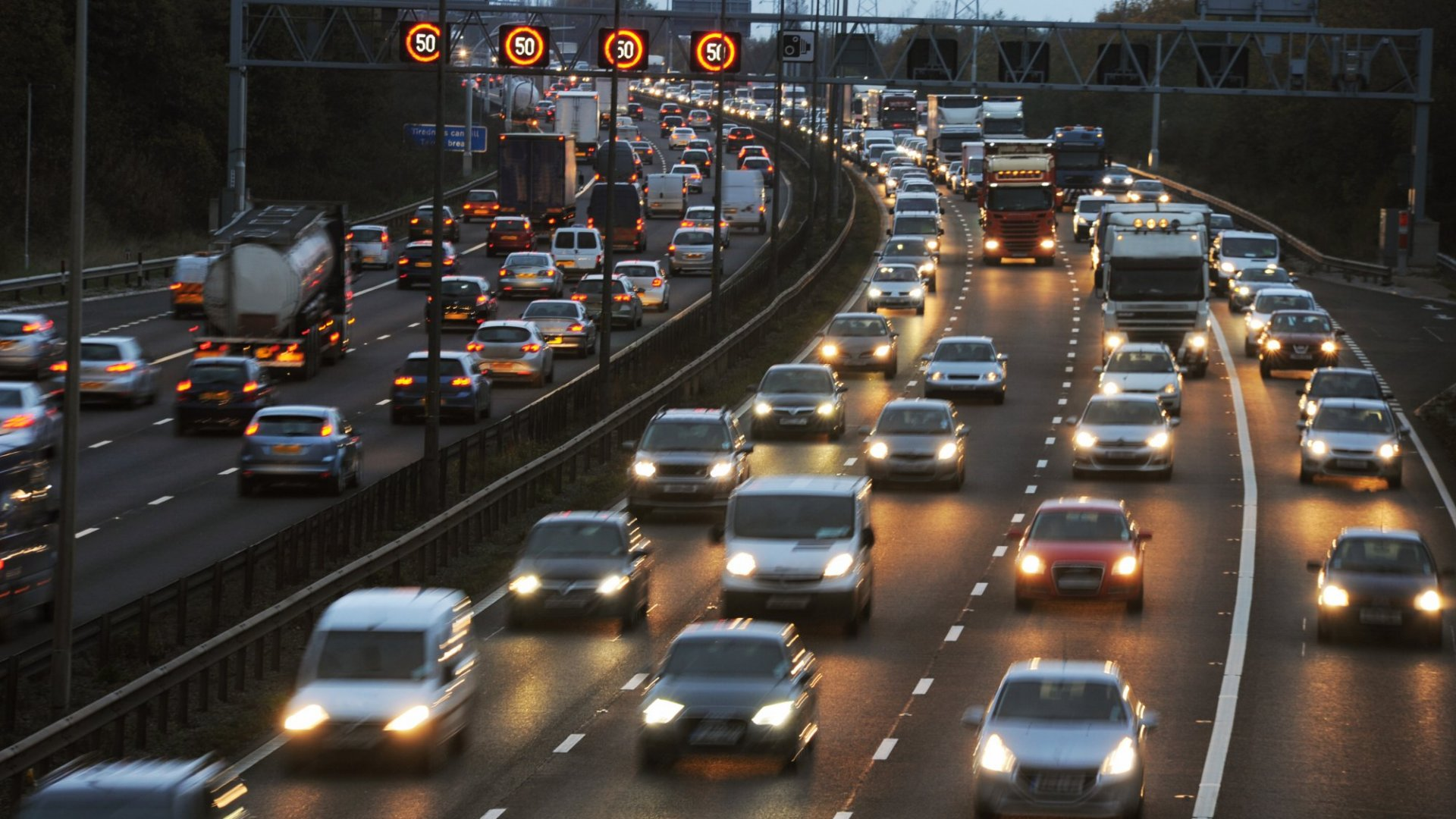 Want to Stay Married? Science Says Reconsider a Long Commute (Since the Money Isn't Worth It)