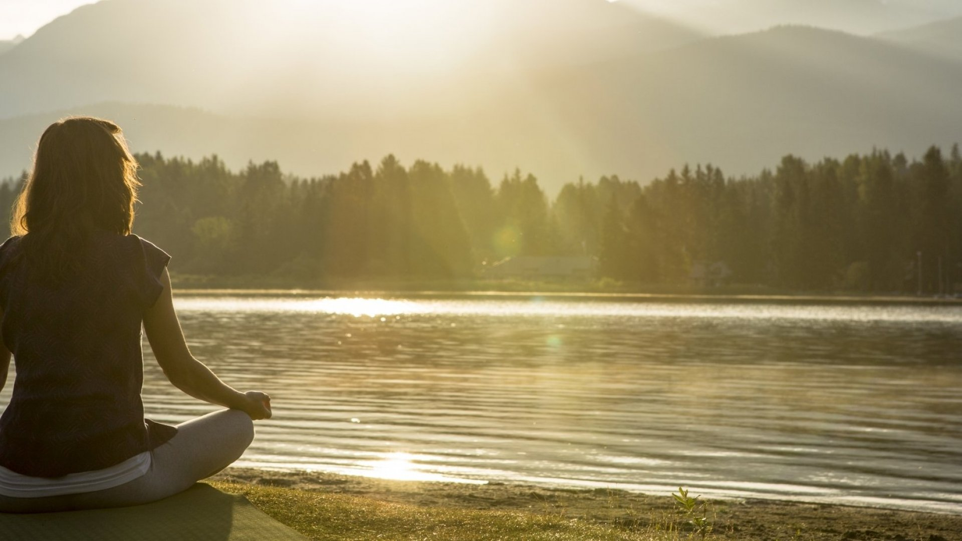 Simple Tips To Be More Mindful Every Day