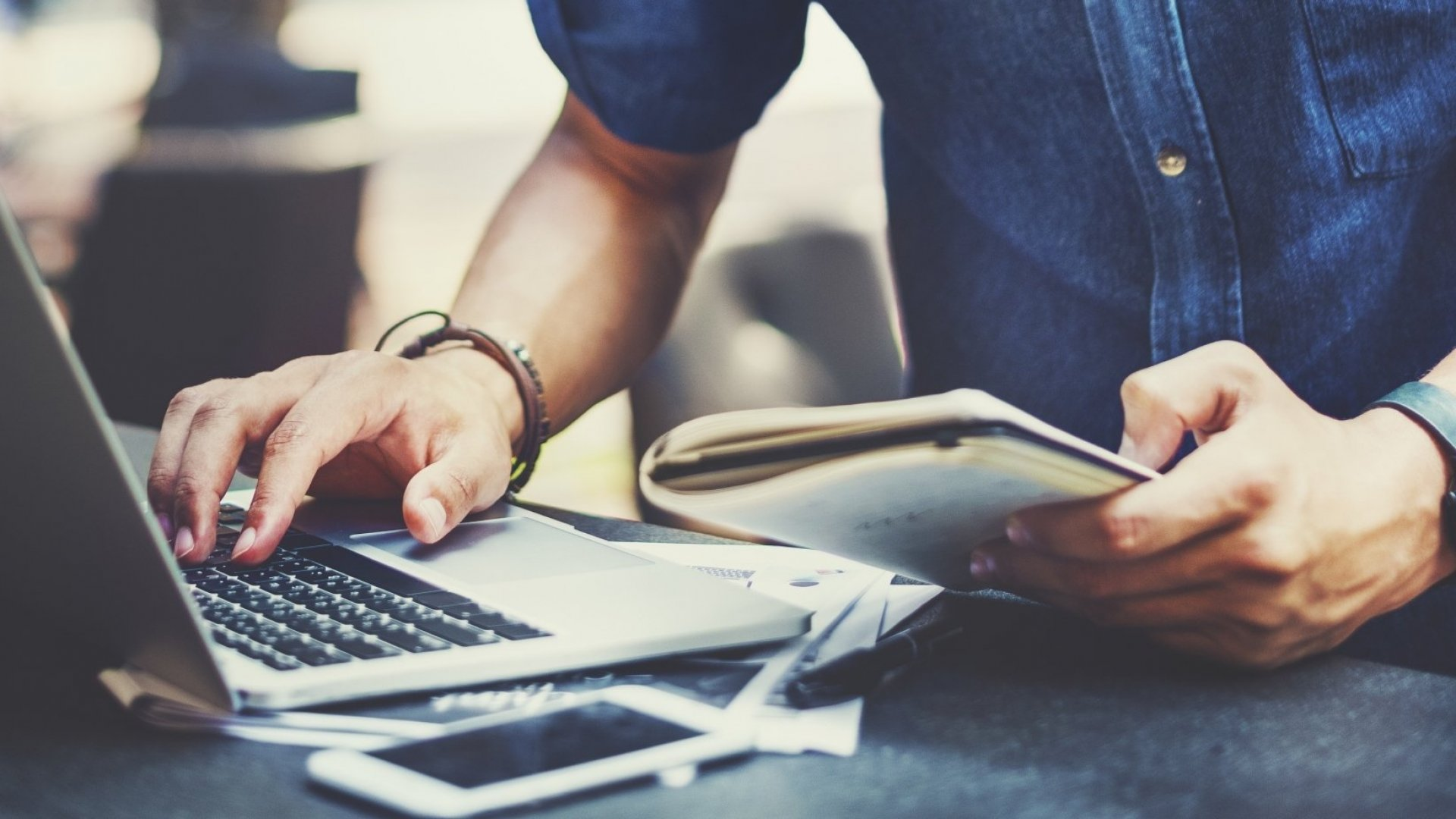 You've Got 60 Seconds to Impress. 5 Ways to Make Your Resume Stand Out