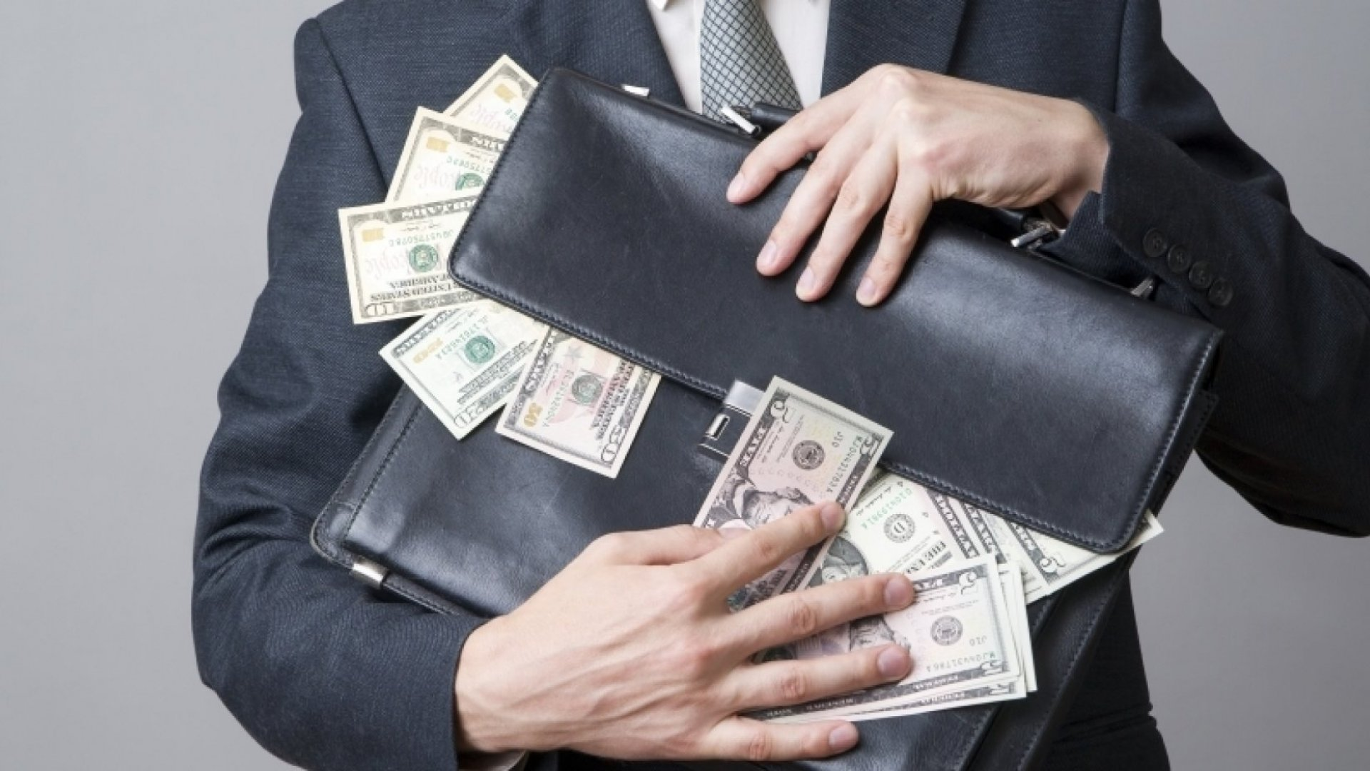 9 Money-Making Secrets Top Salespeople Know