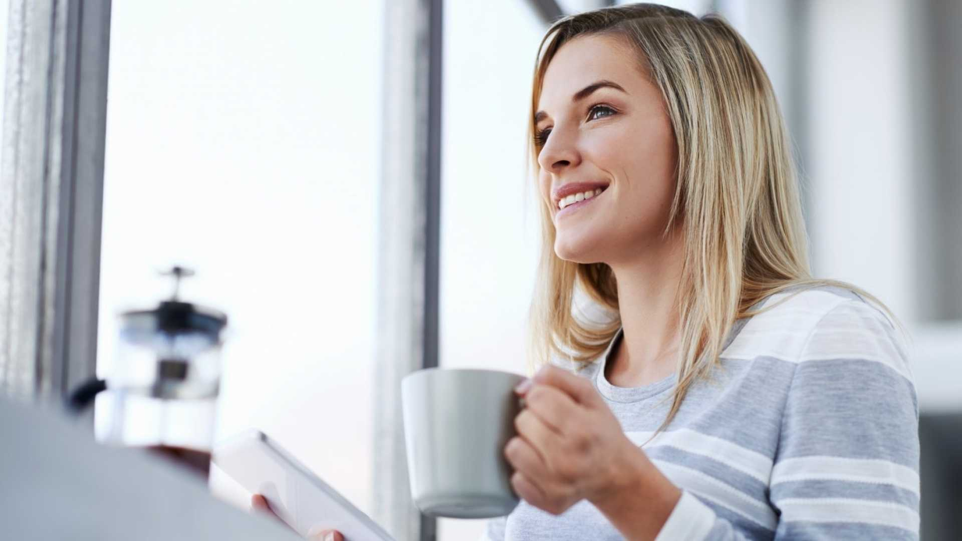 5 Ways to Become a Morning Person (and Gain the Remarkable Benefits)