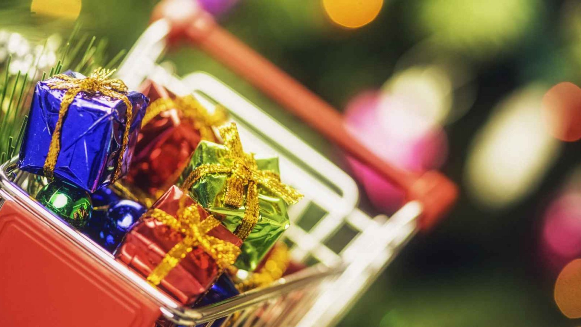 Early Holiday Marketing Remains Unpopular, But Attitudes Are Softening