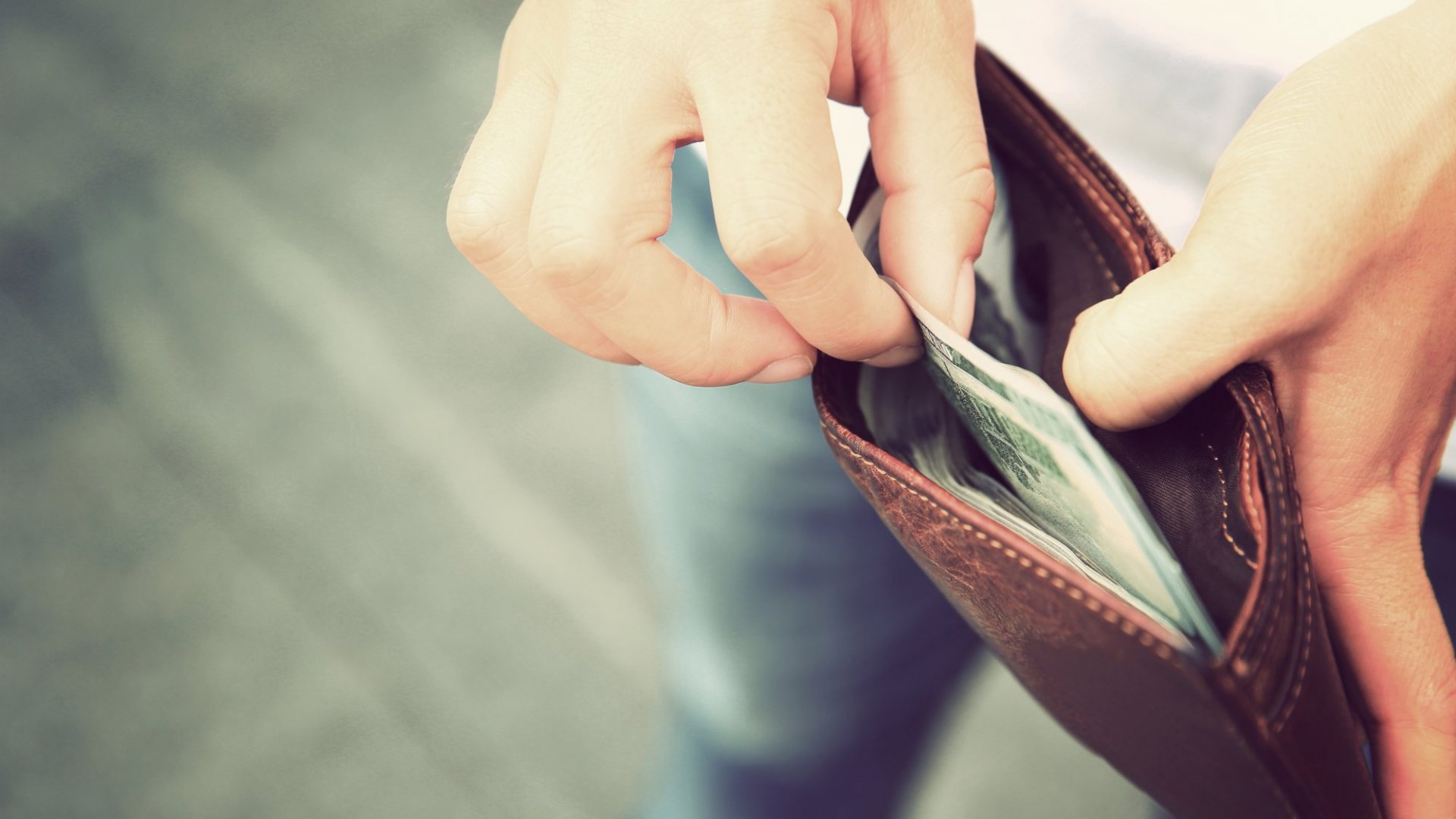 5 Mental Traps Preventing People From Building Wealth