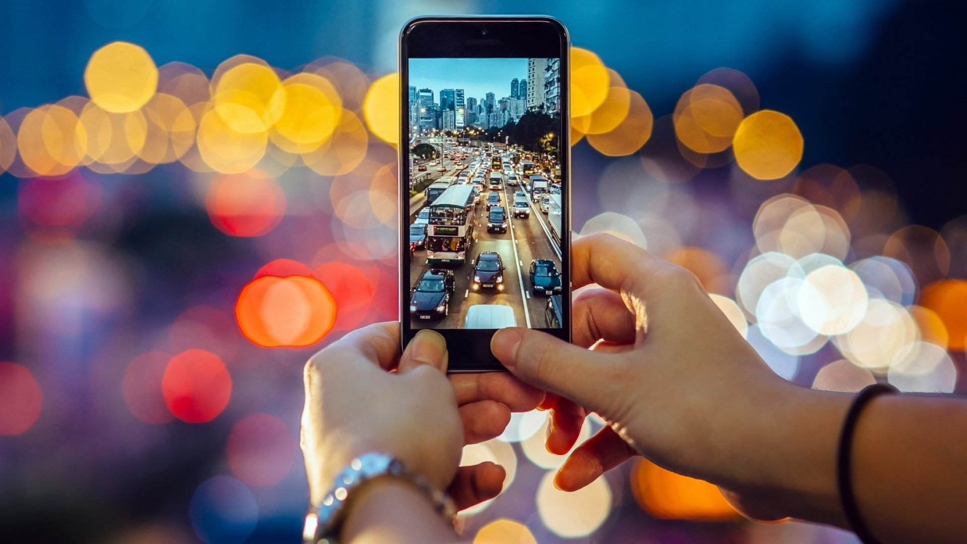 7 Simple Hacks to Earn the Most Followers on Instagram